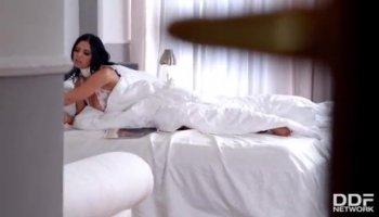 Hot MILF Yasmin Scott threesome session