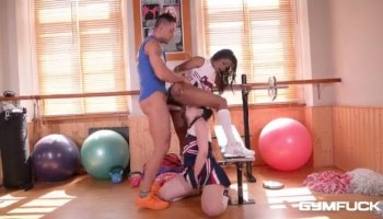 MILF Bianca Breeze threesome on the bed